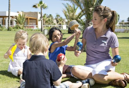 all inclusive vacations free stay for kids under 4