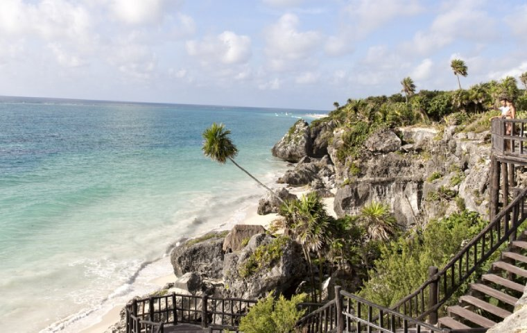 All-inclusive vacations in Mexico and Florida in one of our 3 resorts.